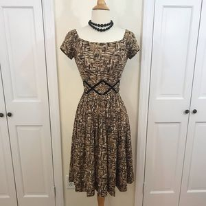 Gorgeous vintage 1950s abstract print dress